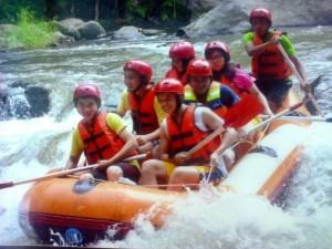 Bali-rafting-tourhttp://www.balivacationdriver.com/wp-content/uploads/2014/05/Bali-Rafting1.jpeg