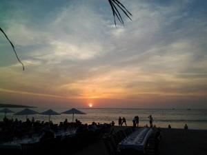 Jimbaran-Beach-Dinner-http://www.balivacationdriver.com/wp-content/uploads/2015/11/Jimabaran-Beach.jpg